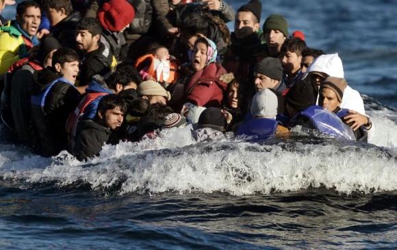 16 inmigrantes mueren en naufragio frente a la isla de Lesbos — Grecia