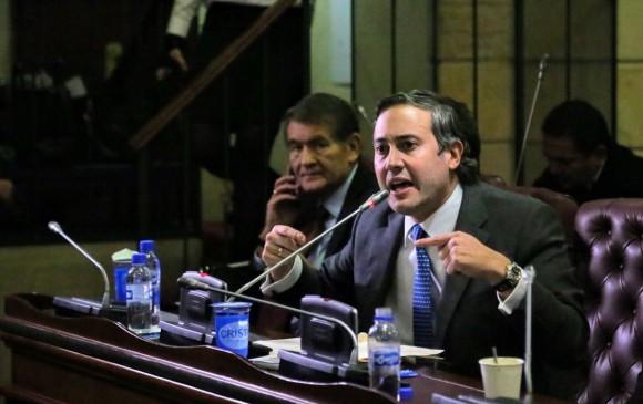 El senador Mario Fernández, ponente del proyecto de Ley 174. FOTO: @MarioFerAlco