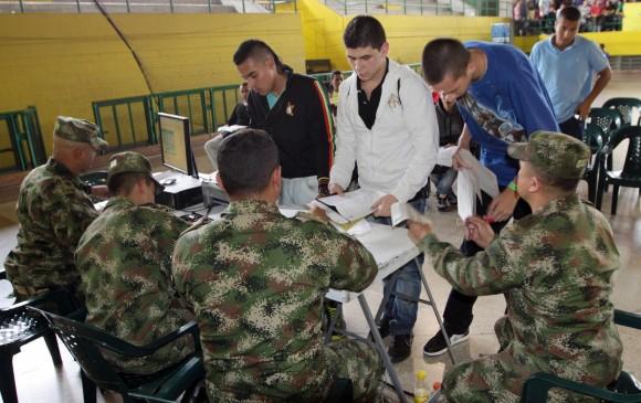 Santos sancionó la ley que modifica las condiciones del servicio militar