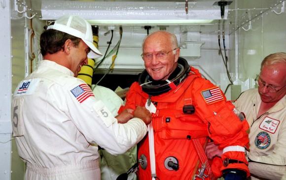 Murió astronauta John Glenn, el primero en orbitar la Tierra — EEUU