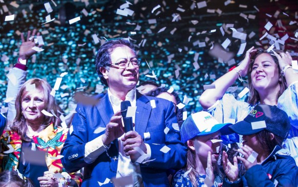 ¿A qué le apostarán las comisiones de empalme de Duque y Santos?