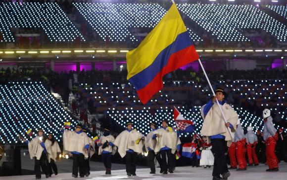 Pedro Causil, patinador sanandresano, forjado en Antioquia, portó la bandera colombiana.