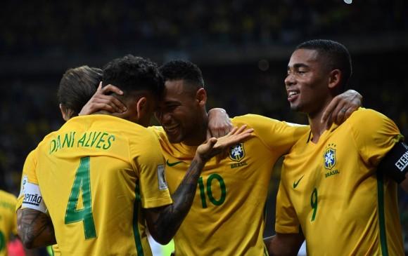 PELEONES | Colombia y Brasil empatan con goles de Willian y Falcao