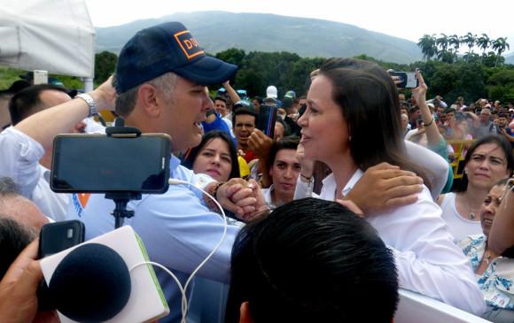 Iván Duque tuvo un encuentro ayer en la frontera con María Corina Machado, opositora de Nicolás Maduro. FOTO EFE