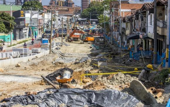 El plazo que se fijó para la construcción del tramo 2A es de 16 meses. Ese tramo pasa por la carrera 43A, un sector comercial, cuya dinámica son las ventas de productos. FOTO Juan Antonio sánchez