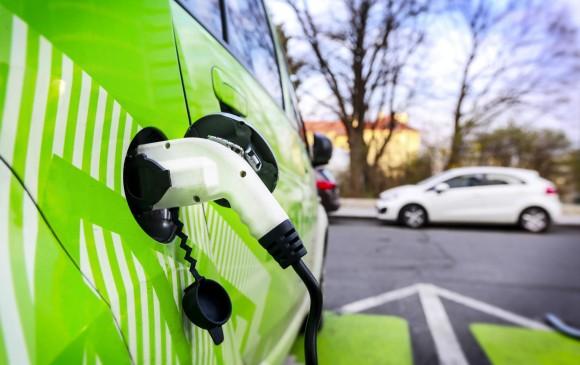 Las mezclas de diésel con biocombustibles reducen las emisiones contaminantes, pues se adiciona oxígeno molecular, que hace que se queme mejor y emita menor contaminación. FOTO: SSTOCK