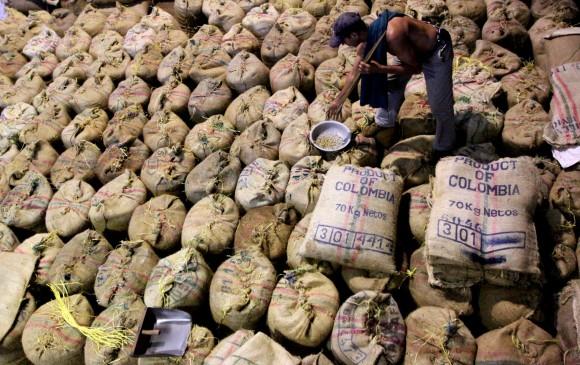 Gobierno anuncia $60 mil millones más para el sector cafetero