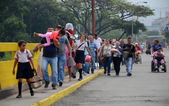 Control Migratorio a venezolanos en Puente Internacional Simón Bolívar que comunica a Cúcuta a San Antonio del Táchira. FOTO: COLPRENSA