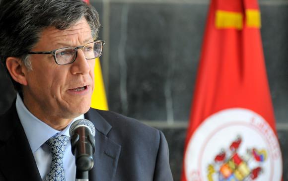Grupos armados asesinan a quienes incumplen la cuarentena en Colombia: HRW