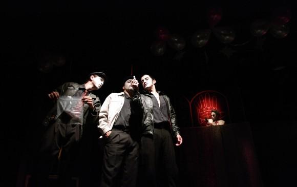 El medium muerto (2010). Teatro Matacandelas en 1981, sede Envigado. FOTO matacandelas y Juan Pablo Ríos