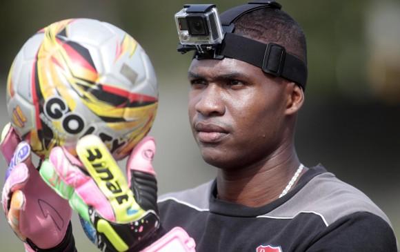 El arquero <b>Carlos Bejarano</b> utilizó una cámara GoPro en un entrenamiento. - image_content_22163005_20141121172940