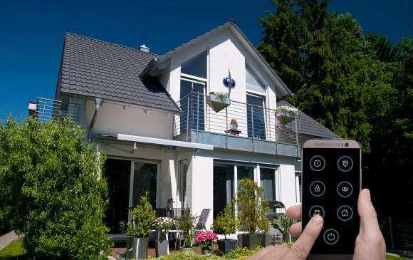 El manejo de luces, puertas y temperatura interior con el teléfono ya es real. FOTO sstock