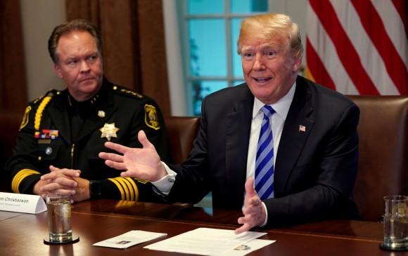 Donald Trump, quien se reunió ayer con alguaciles de California, no habló del tema. FOTO reuters