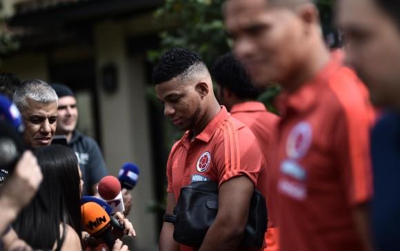 El lateral de Boca Junior llegó a Argentina para iniciar los trámites correspondientes a su operación, por la lesión de rodilla. FOTO AFP