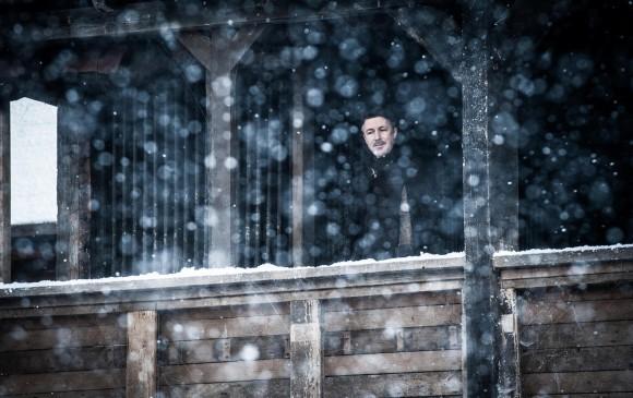 Meñique sigue en Invernalia. Jon lo amenazó en el segundo capítulo. FOTO Cortesía HBO