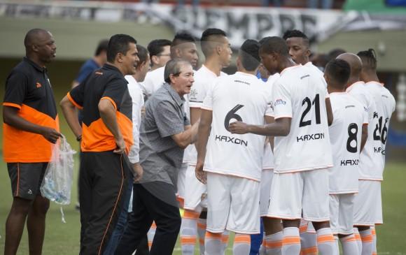 Jugadores y cuerpo técnico de Envigado, que disputan la Liga Águila-1. FOTO EDWIN BUSTAMANTE