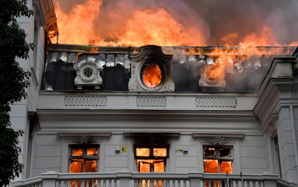 Nuevos incidentes en Chile: se incendia una Universidad
