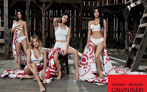 Las rarezas de la foto de las Kardashian posando para Calvin Klein