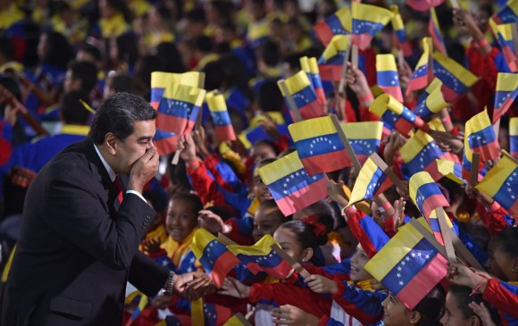 Maduro juró como presidente el jueves con escaso apoyo internacional. FOTO AFP