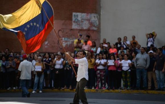 Liberan a periodistas de EFE y deportan a reporteros franceses — Venezuela