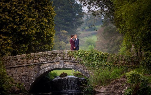 Realizan la primer boda gay, inspirada en Romeo y Julieta