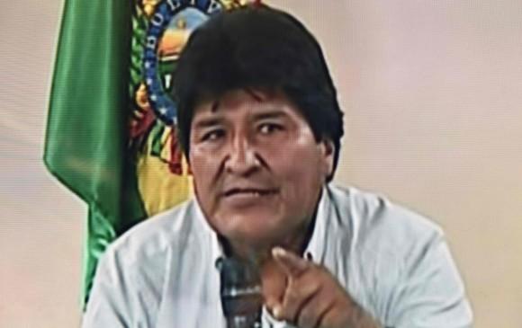 Llega Evo a México como refugiado político