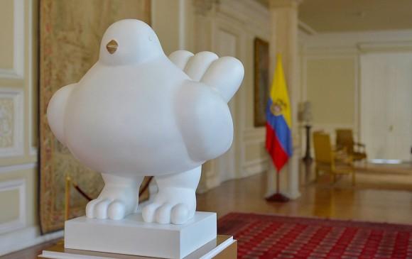 Afamado escultor colombiano suma au apoyo al acuerdo de paz