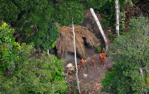 Asesinan a diez miembros de una tribu aislada del Amazonas