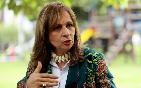 La candidata Ángela María Robledo asegura que el programa de la Colombia Humana ha sido estigmatizado por distintos sectores, por lo que se ha dedicado a desmentir rumores. FOTO EFE
