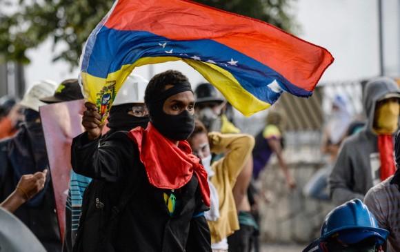 Maduro felicitó a funcionarios por la