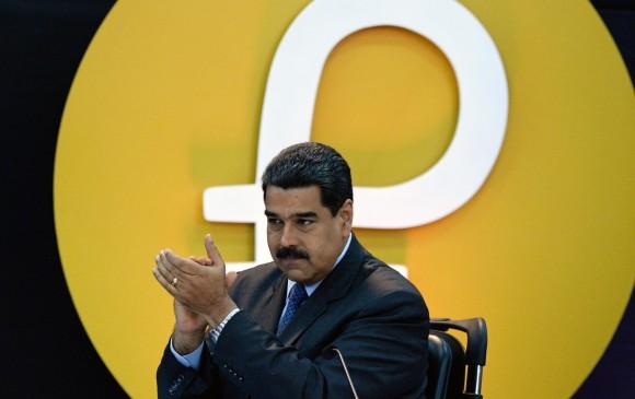 Nicolás Maduro asegura que la criptomoneda petro ha sido de gran acogida, pero aún las personas la desconocen. FOTO afp