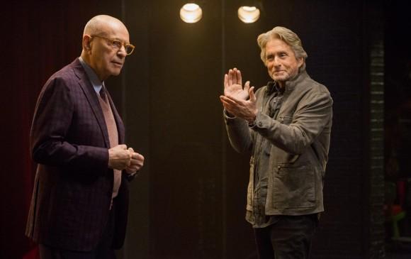 Alan Arkin y Michael Douglas en El método Kominsky. FOTO Cortesía Netflix