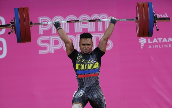 Francisco Mosquera entregó primeras medallas a Colombia en Mundial de Pesas