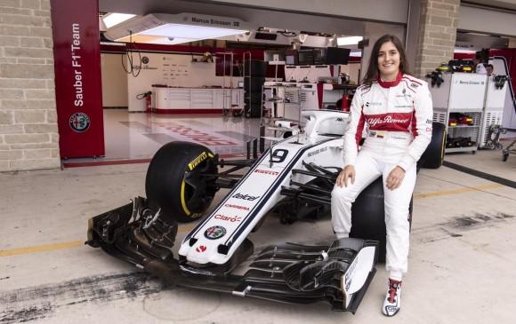 Colombiana Tatiana Calderón primera latina que pilota un Fórmula Uno