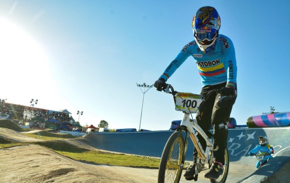 Mariana Pajón se cayó en la final del Mundial de BMX