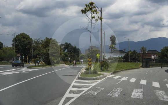 Intercambio vial La Ayurá, a la altura del supermercado Jumbo. Esta es una de las siete obras financiadas con valorización que ya están terminadas. FOTO JULIO CÉSAR HERRERA