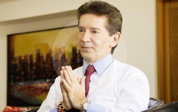 Pastor Alape desmintió que Luis Pérez vaya a recibir su arma