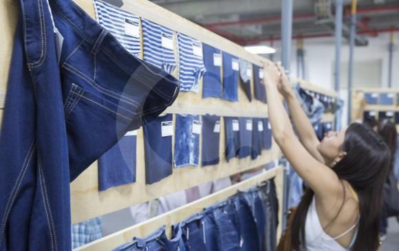 El azul índigo será una tendencia en telas y estampación para este año. Eso se verá en Colombiatex de las Américas, desde hoy hasta el jueves 25. FOTO edwin bustamante
