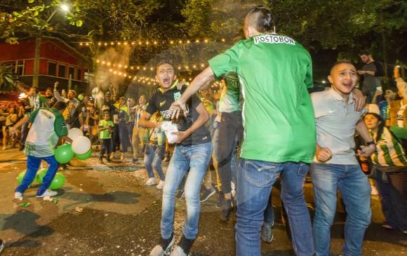 La celebración de la hinchada se extendió por toda la ciudad. Y apenas empieza.