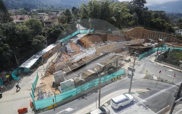 Así está hoy el futuro puente e intercambio vía de El Esmeraldal, en Envigado. FOTO MANUEL SALDARRIAGA