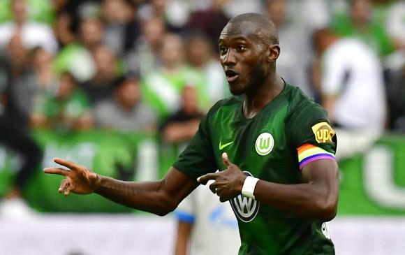 El capitán del Wolfsburgo luce brazalete contra la homofobia 6d1a479c4e702