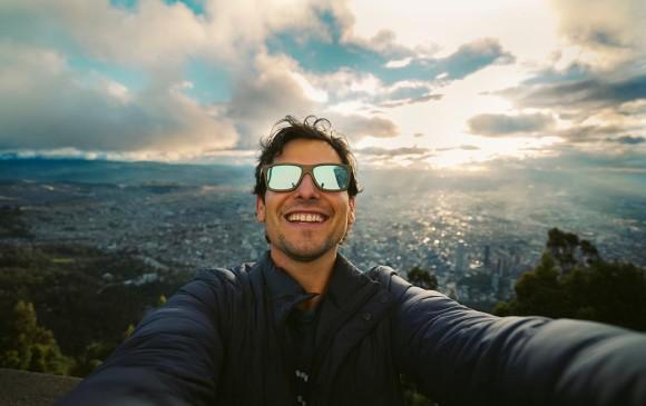 Alan es mexicano y antes de documentar el mundo en video fue cantante y actor. FOTO: @alanxelmundo
