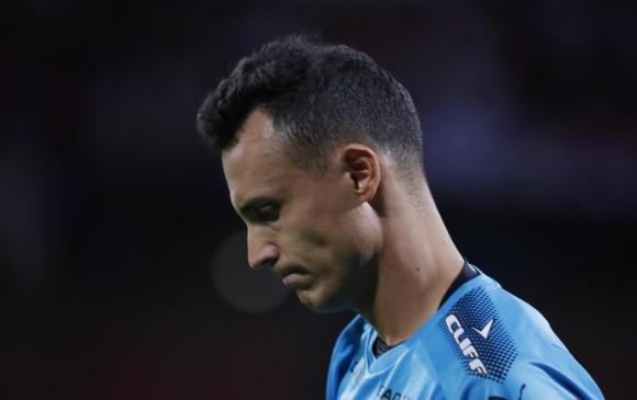 En la imagen se muestra la tristeza del portero David González tras la eliminación del DIM en los penaltis. FOTO Róbinson Sáenz