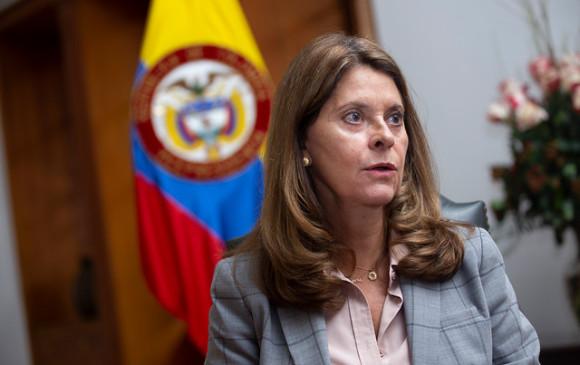 Resultado de imagen para Marta Lucia Ramìrez