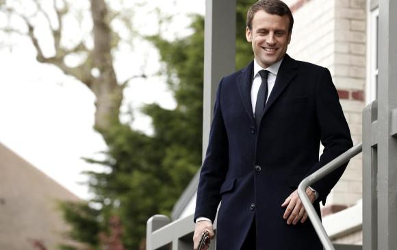 Macron y Le Pen aventajan elección con 90% de votos