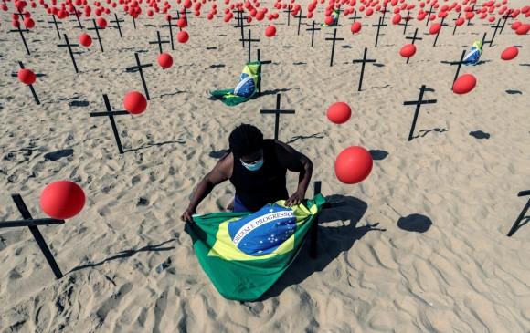 Brasil: los números no disminuyen y Bolsonaro arremete contra la prensa