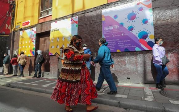 """El Gobierno interino de Bolivia publicó anoche un decreto que extiende esta medida """"ante el incremento del contagio comunitario y aumento de casos positivos"""". Foto: EFE"""