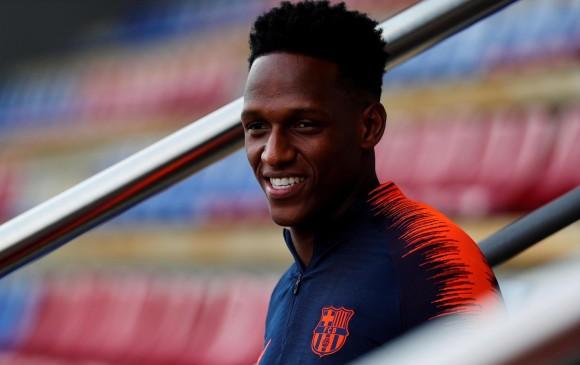 Yerry Mina fue aclamado por los fanáticos del Barcelona
