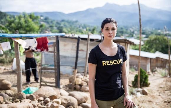 Morena Baccarin, protagonista de Deadpool, visitó la frontera entre Colombia y Venezuela, en Cúcuta