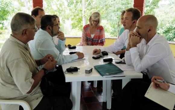 COLOMBIA: Informe de HRW expone preocupaciones por Justicia Especial de Paz en acuerdos con Farc